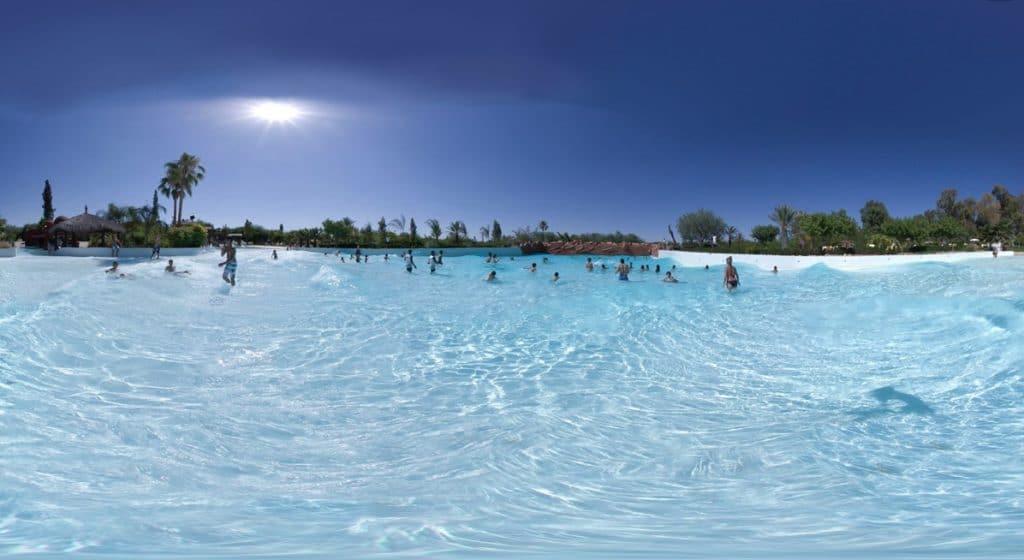 Piscine à vagues de l'Oasiria à Marrakech.