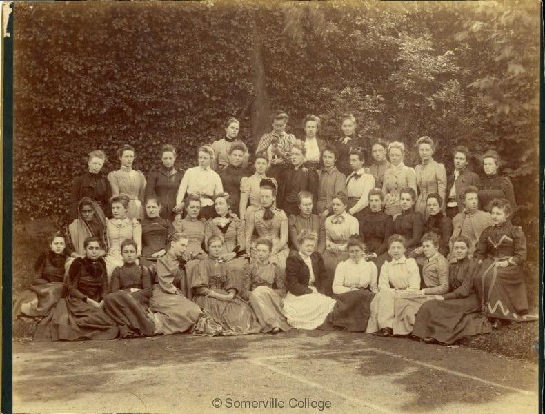 > Etudiante du Somerville College, Oxford, 1891 - Photo du Somerville College, Oxford