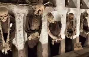 Macabres zombies des catacombes des Capucins à Palerme