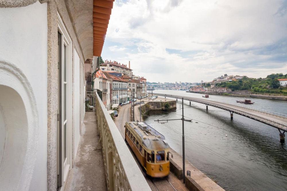 Airbnb à Porto : Appartement ouvert avec une superbe vue.