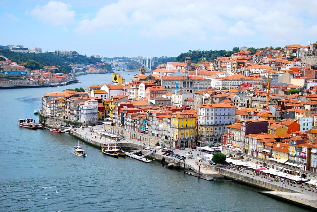 Quartier Ribeira à Porto : Ville basse le long du Douro