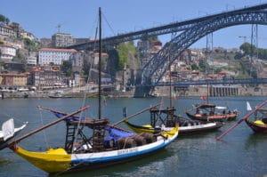 Vila Nova de Gaia, entrepôts de porto face à Porto