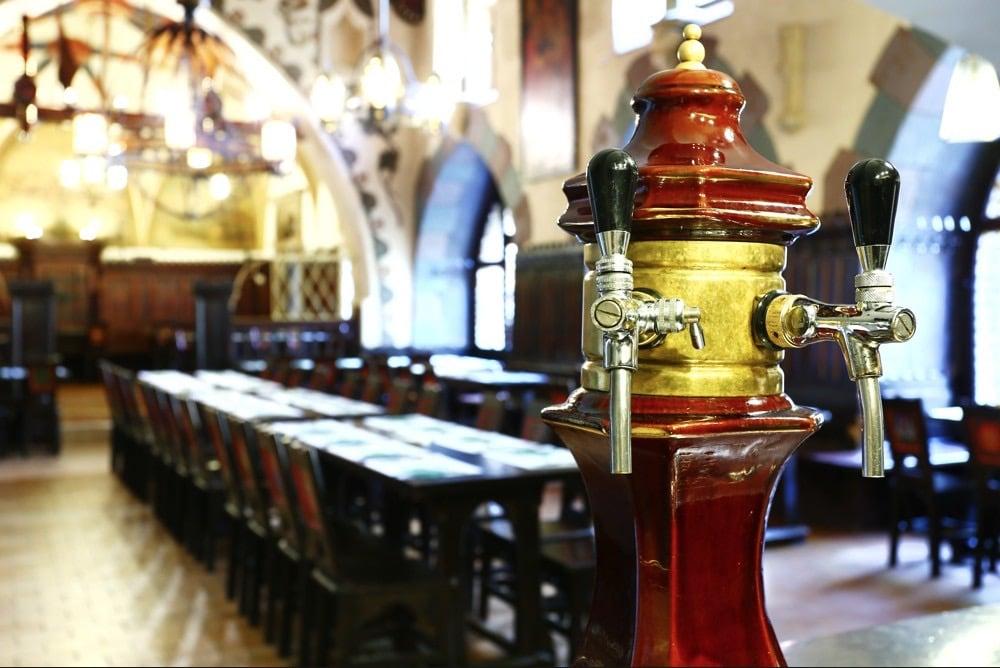 12 meilleures brasseries à Prague où boire une bière locale