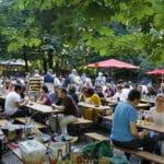Bière à Prague en été : 10 beergarden loin des foules de touristes