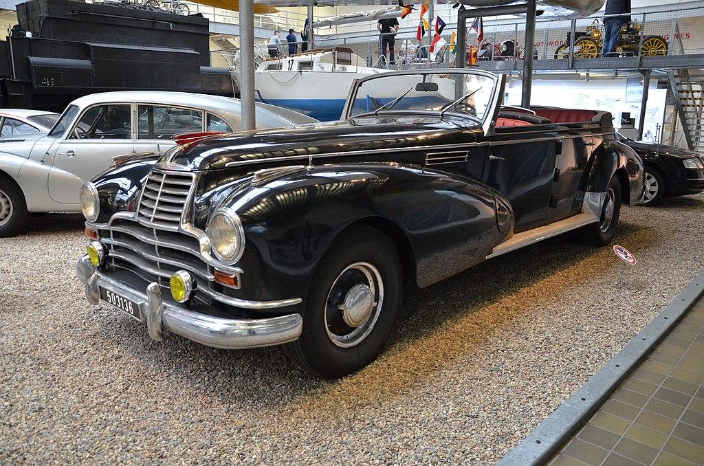 Mercedes Benz 770 dans le Musée des Techniques du quartier de Holesovice à Prague - Photo de Hakjosef