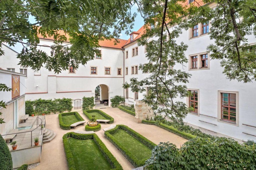 L'Augustine, hotel de luxe élégant à Prague.
