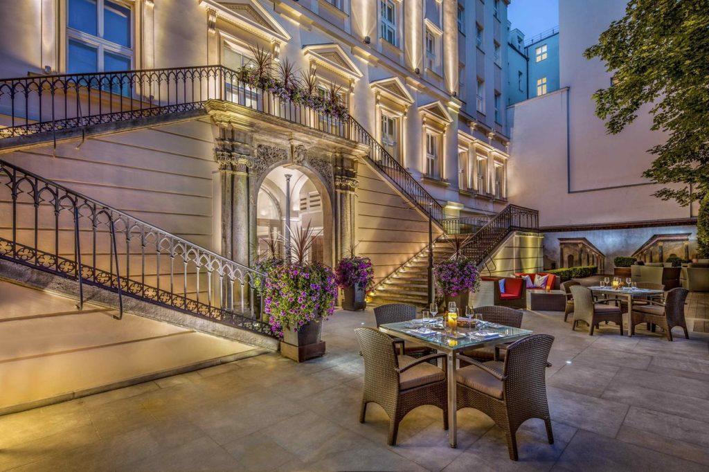 The Grand Mark à Prague, bel hôtel de luxe moderne et raffiné.