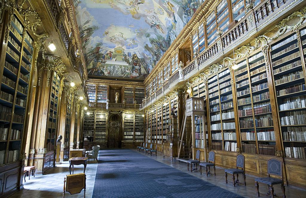 Dans la bibliotheque philosophique du monastère de Strahov, quartier de Hradcany à Prague. Photo de Jorge Royan