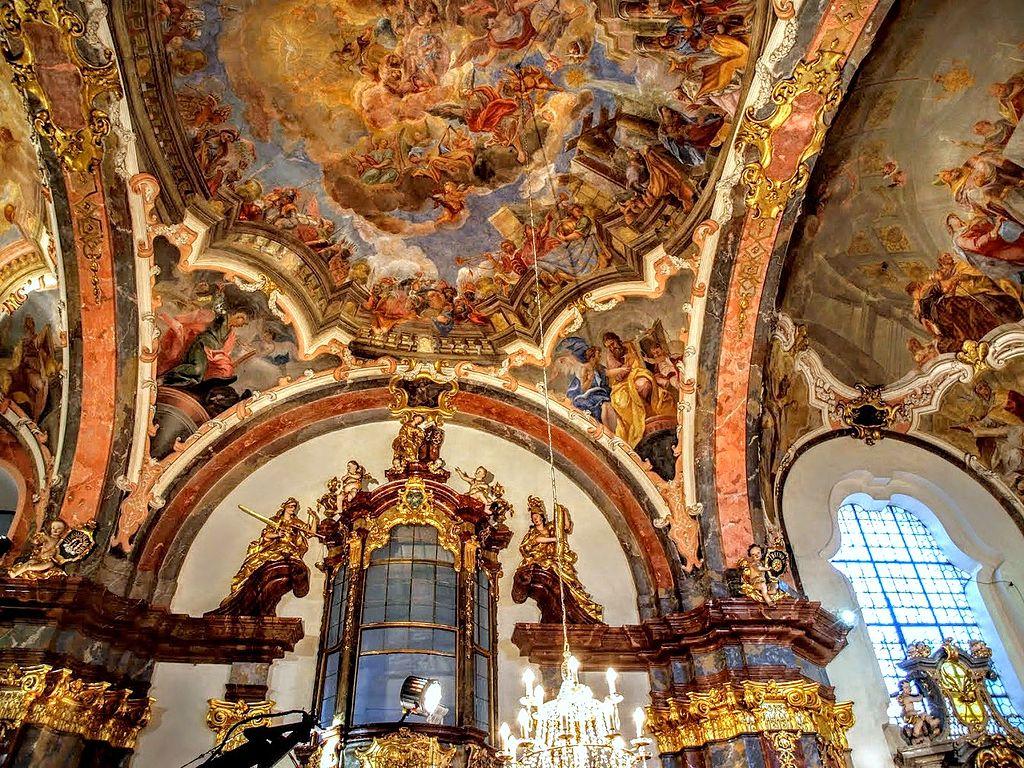 Notre Dame de Lorette dans le quartier de Hradcany à Prague - Photo de VitVit