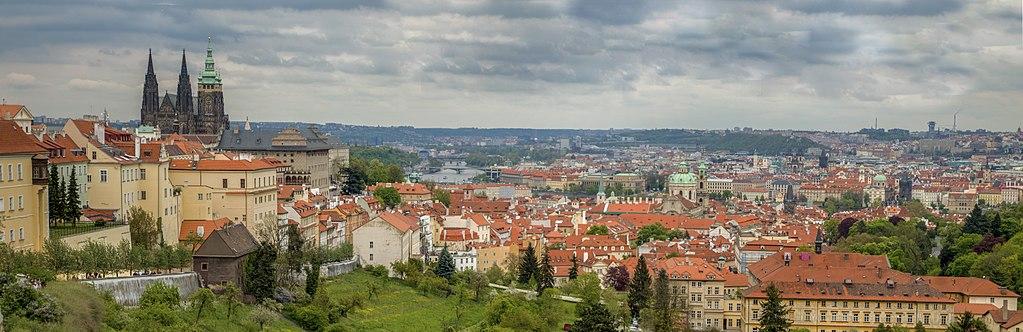 Vue panoramique depuis le monastère de Strahov à Prague - Photo de Jerzy Strzelecki