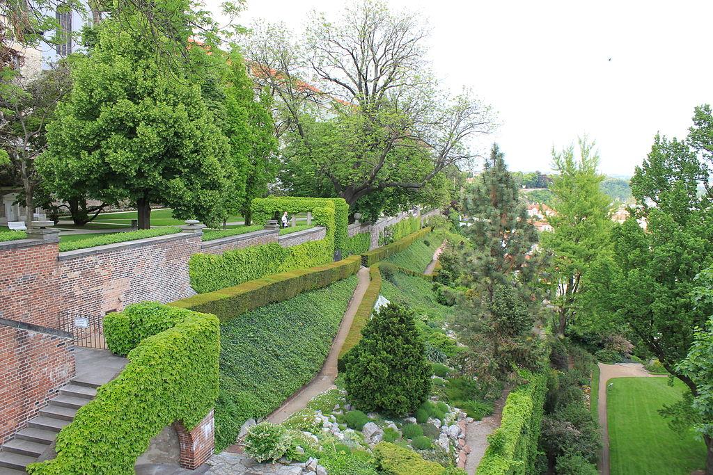 Accès au Chateau de Prague via les jardins dans le quartier de Mala Strana - Photo d'Oyvind Holmstad