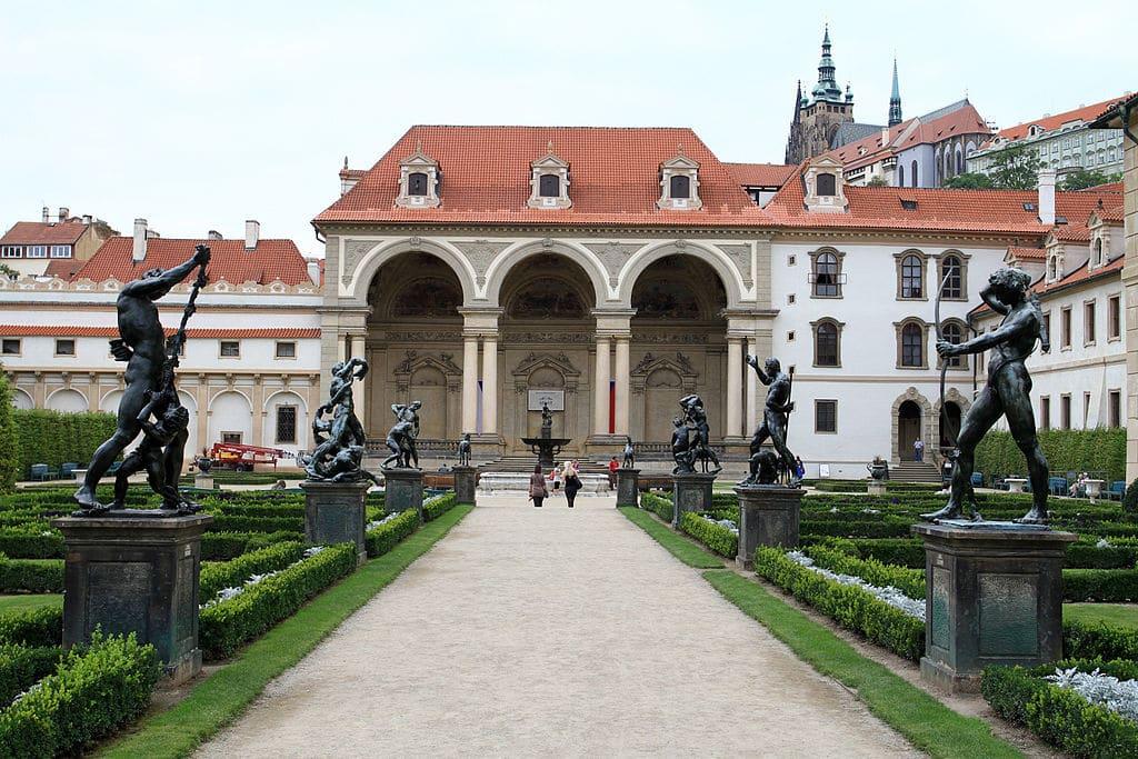 Jardin Wallenstein dans le quartier de Mala Strana à Prague - Photo de Ondřej Kořínek