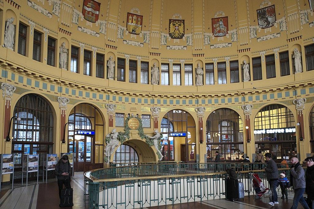 Art Nouveau dans la Gare centrale de Prague - Photo de GFreihalter