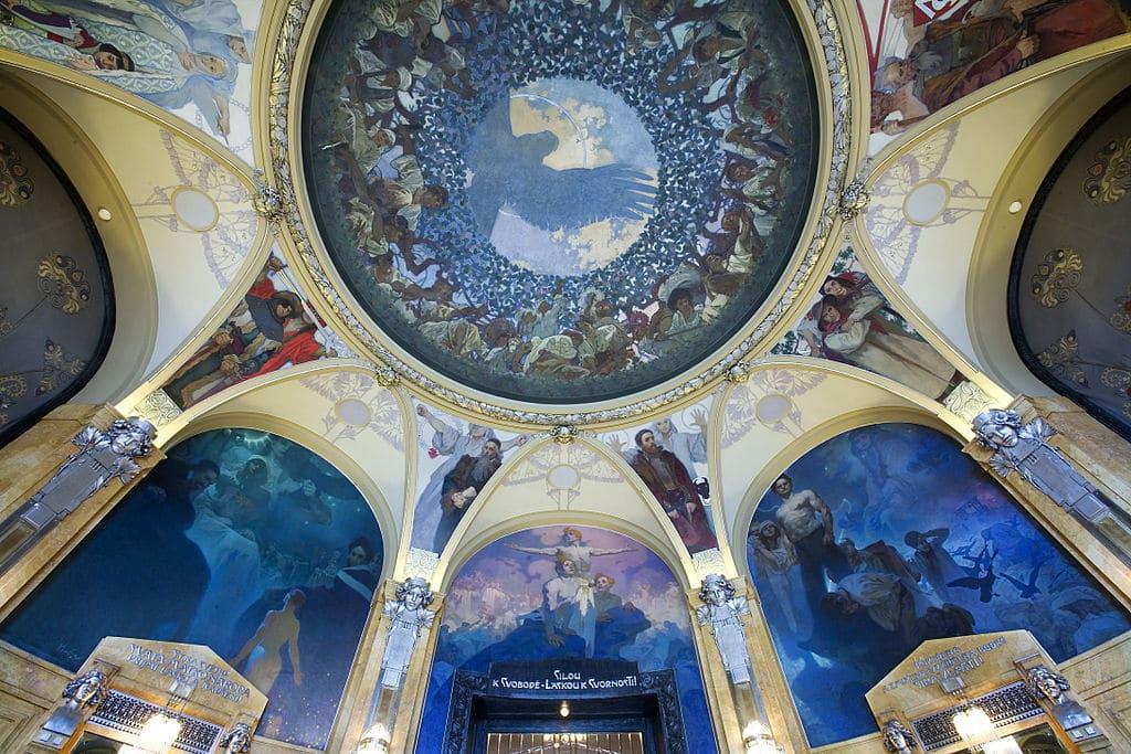 Plafond peint par Mucha de la Maison de la Municipalité à la limite de la Nouvelle Ville et du centre historique de Prague - Photo de Jorge Royan