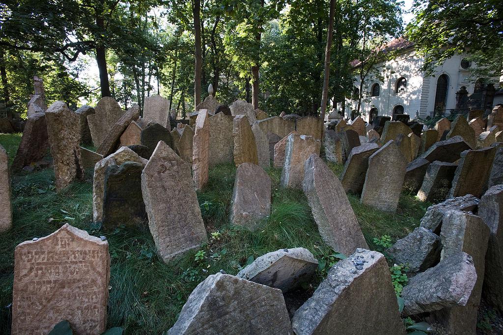 Dans le cimetière juif du quartier de Josefov à Prague - Photo de Jorge Royan