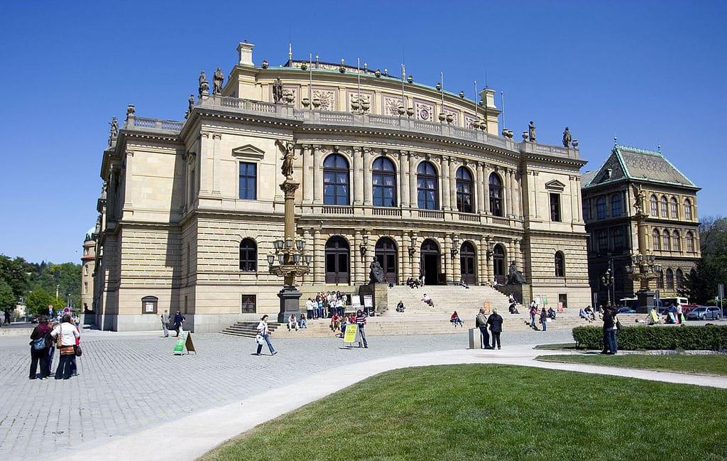Rudolfinum, salle de concerts de musique classique dans le quartier de Josefov à Prague - Photo de Sergey Ashmarin