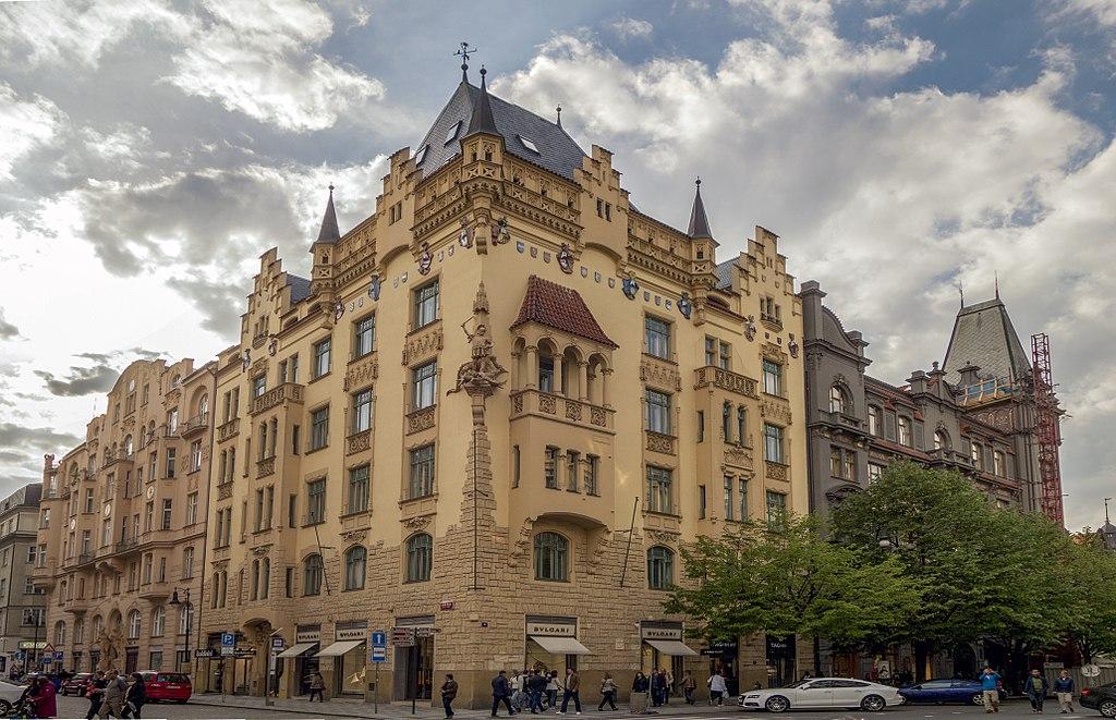 Immeuble de la rue Paryska sur l'ancien ghetto juif de Josefov à Prague - Photo de Jerzy Strzelecki