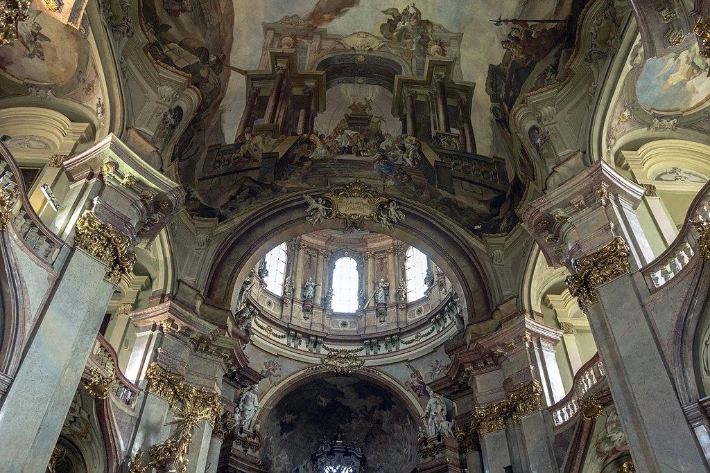 Eglise Saint Nicolas dans le quartier de Mala Strana à Prague - Photo de Jerzy Strzelecki