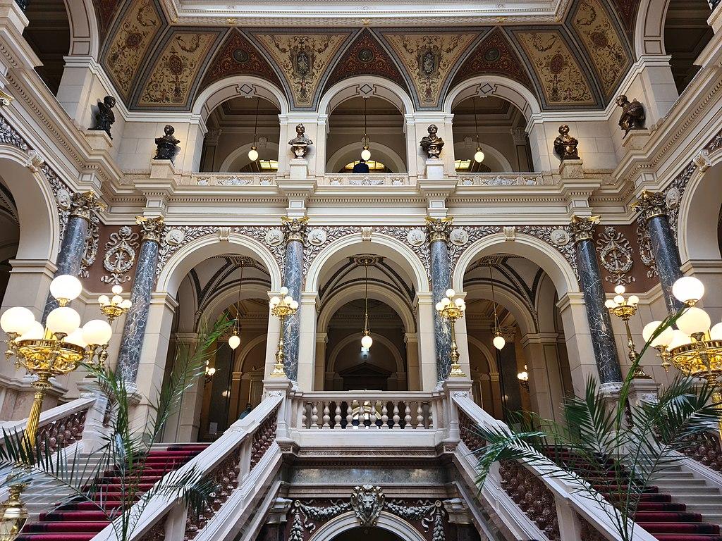 A l'intérieur du Musée National de Prague dans le quartier Nove Mesto - Photo Ricardalovesmonuments