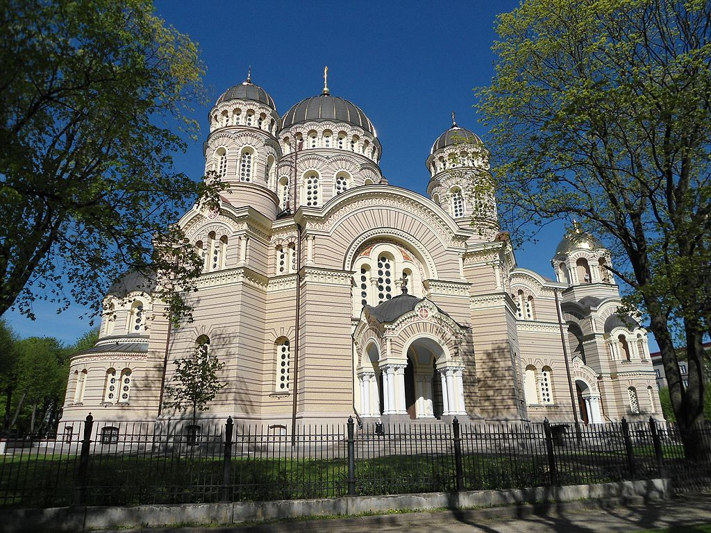 Cathedrale Orthodoxe de la nativité dans le quartier de Centrs à Riga - Photo de Keith Ruffles
