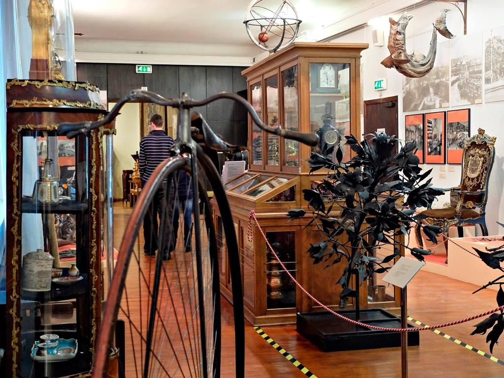 Dans le musée de la navigation et de l'histoire de Riga.