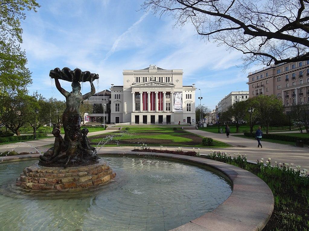 Opera National de Lettonie dans la vieille ville de Riga - Photo de Sjaak Kempe