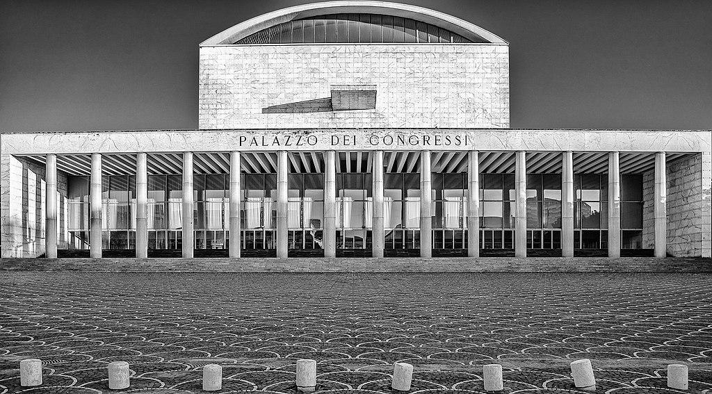 Palais de congrès du quartier de l'EUR à Rome - Photo de Marco Rosanova