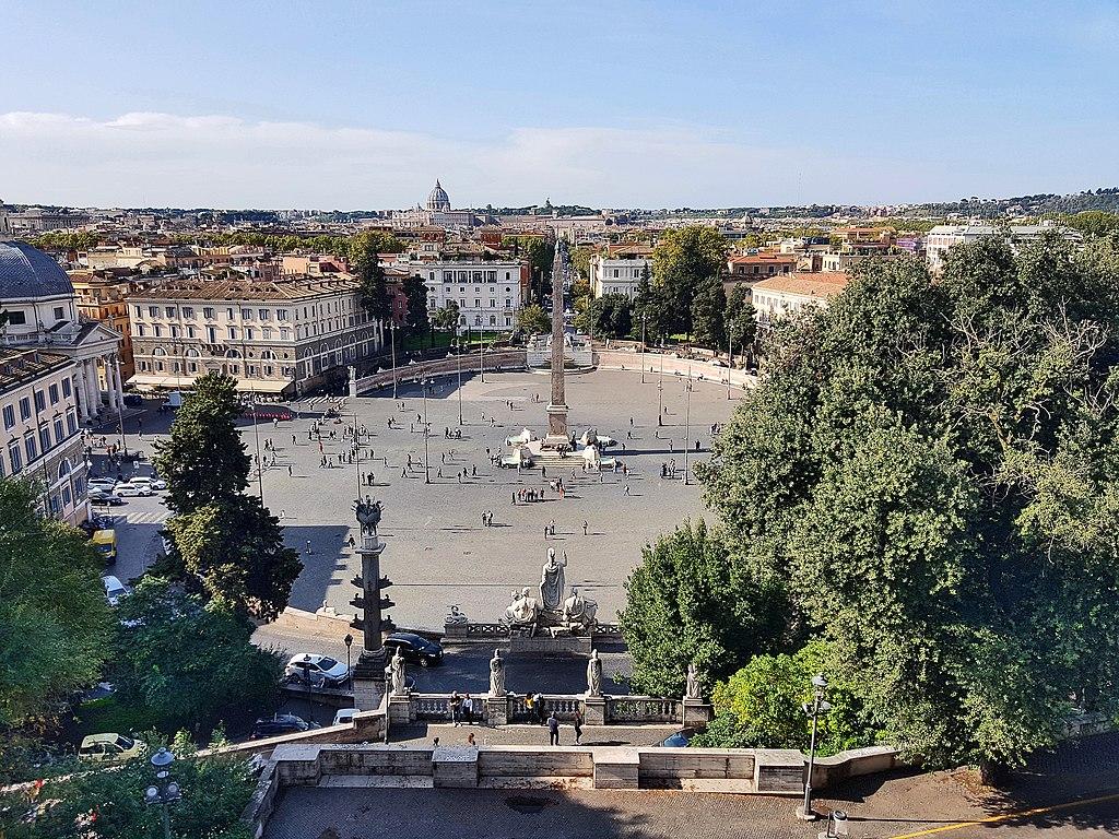 Piazza del popolo dans le quartier chic du nord de Rome - Photo de Valentin Kordes