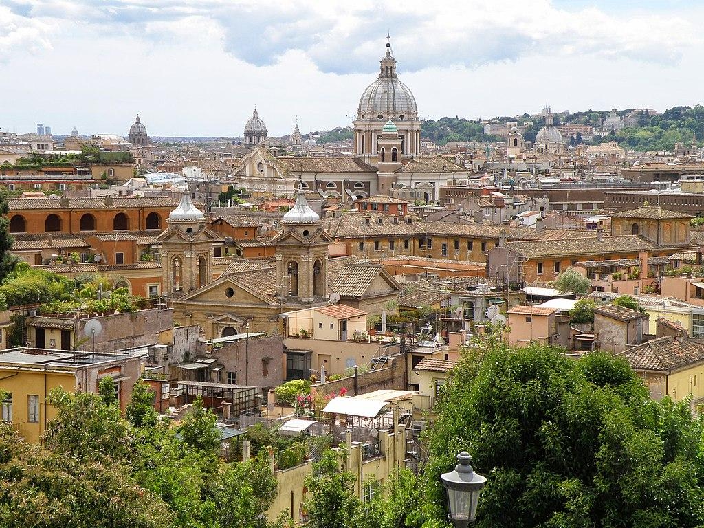 Vue depuis le Pincio du parc Borghese sur les toits de Rome - Photo de Mikhail Malykh