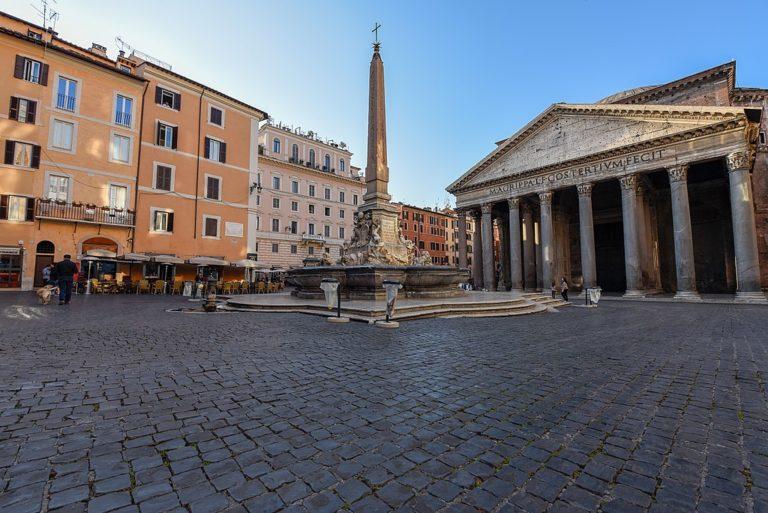 Monument incontournable : Panthéon de Rome au petit matin - Photo de Meshari Alawfi