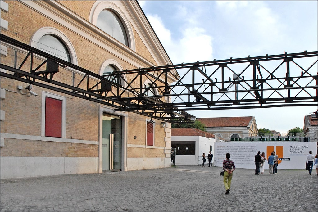 Partie extérieure du musée d'art contemporain Macro à Rome. Photo de Jean Pierre Dalbéra.