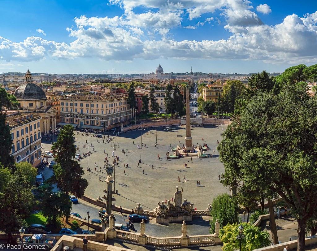 Terrazza du Pincio à Rome avec la vue sur la Piazza del Popollo et la basilique Saint Pierre au Vatican - Photo de Paco Gomez
