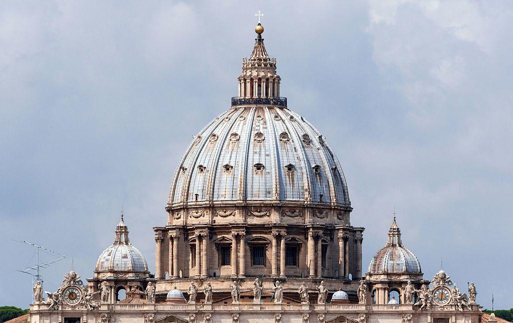 Coupoles de la basilique St Pierre de Rome dans le Vatican - Photo de Jebulon