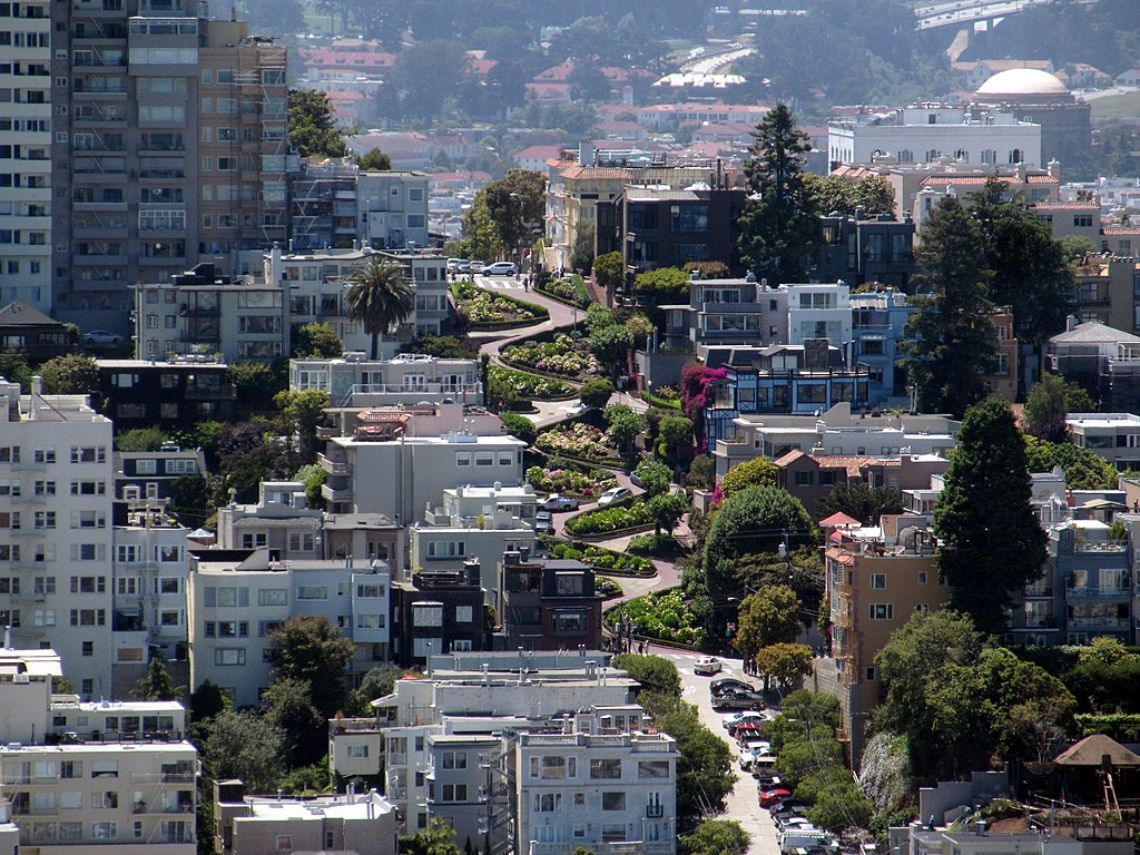 Vue sur Lombard street depuis la Coit Tower à San Francisco - Photo de Pi.1415926535