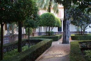 Quartier du centre de Séville : Animation des rues et calme des palais