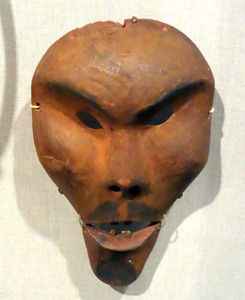 Masque d'Alaska central à Anvik dans le Yukan (1870-1880) Au Young Museum de San Francisco.