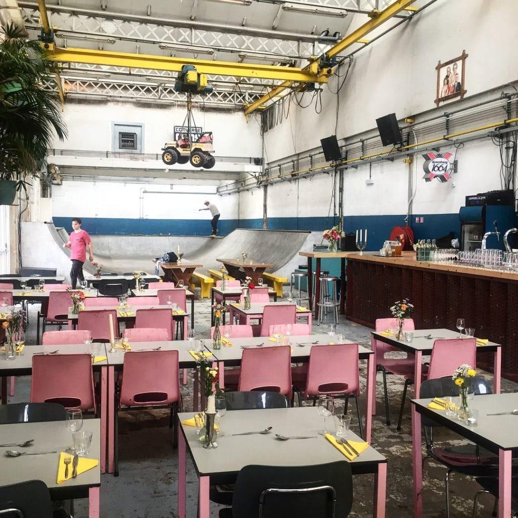 A l'intérieur du SkateCafé à Amsterdam.