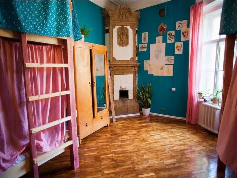 Polosaty hostel, auberge de jeunesse à Saint Petersbourg.