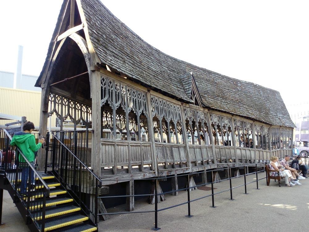 Le gothiquepont de Poudlard au Studio Harry Potter près de Londres.