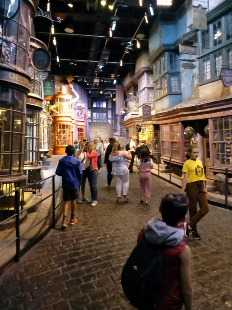 Chemin de Traverse dans le Studio Harry Potter près de Londres.