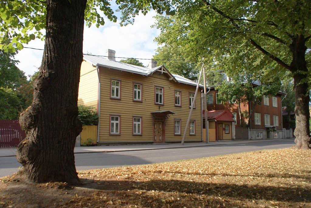 L'autre visage de Tallinn est constitué de maisons en bois de différentes couleurs.