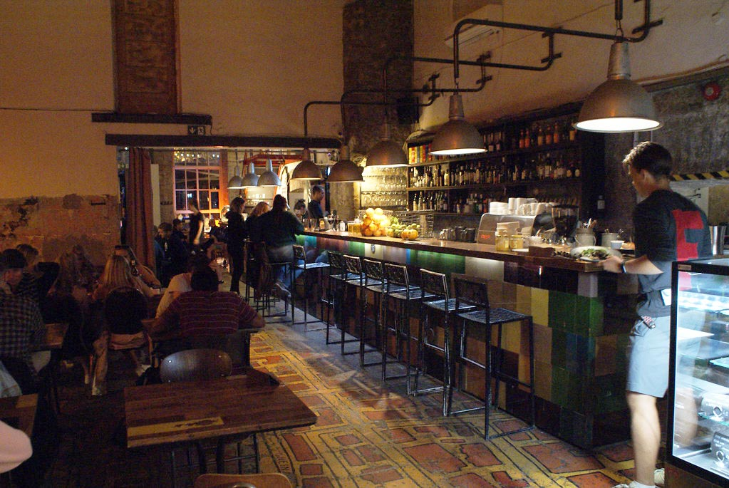 Restaurant du quartier de Telliskivi à Tallinn.