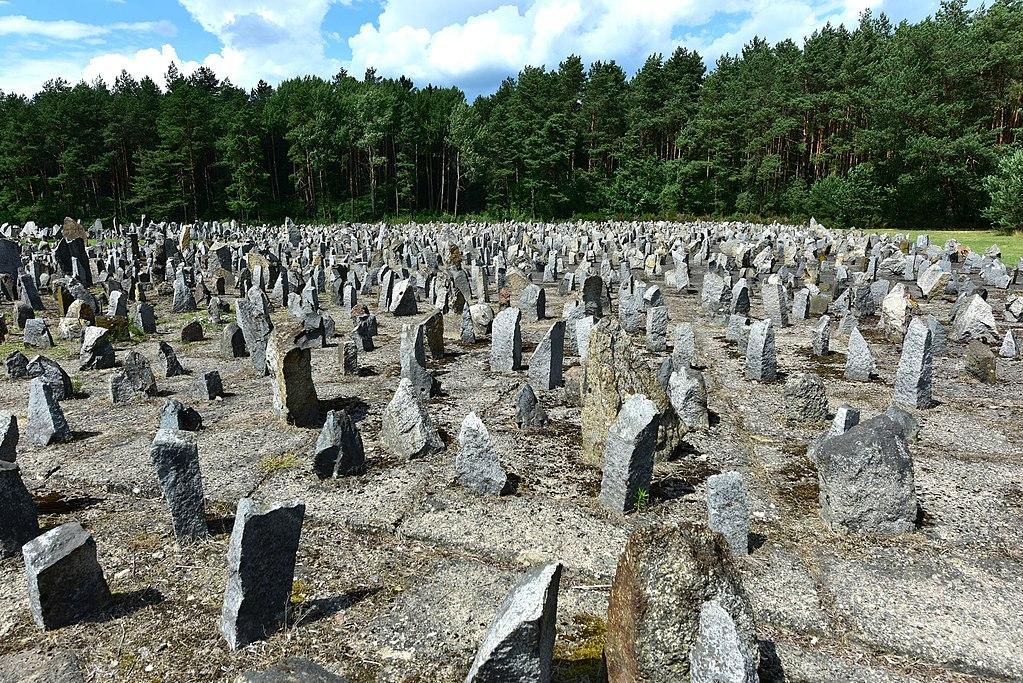 Memorial du camp de Treblinka près de Varsovie - Photo d'Adrian Grycuk