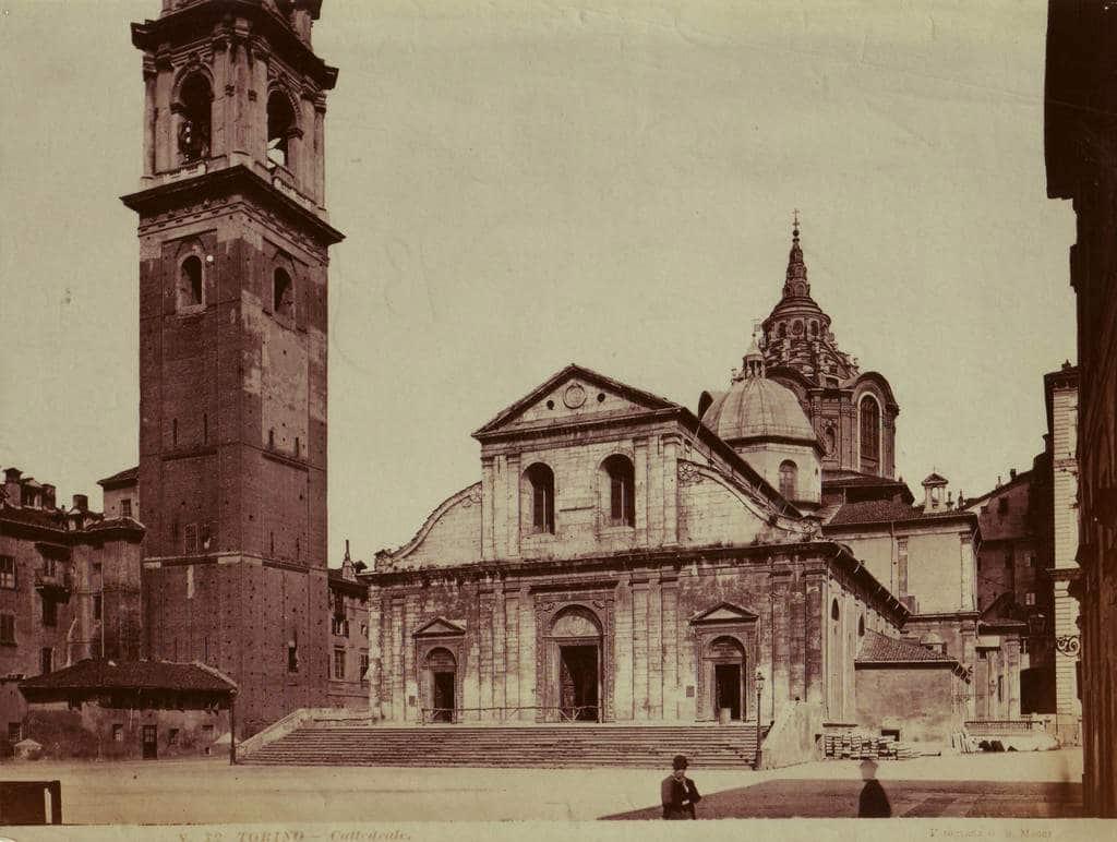 Ancienne carte postale de la Cathédrale de Turin (ou Duomo) dans la vieille ville de Turin.