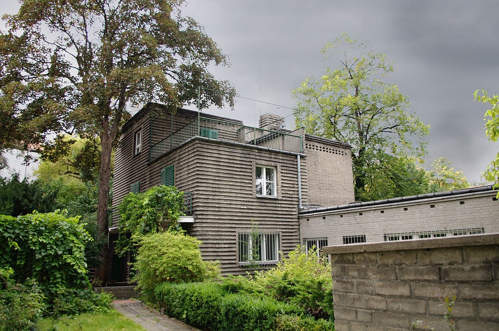 Architecture moderniste : Unité d'habitation Ul.Hoene-Wrońskiego - photo de Verdykrash