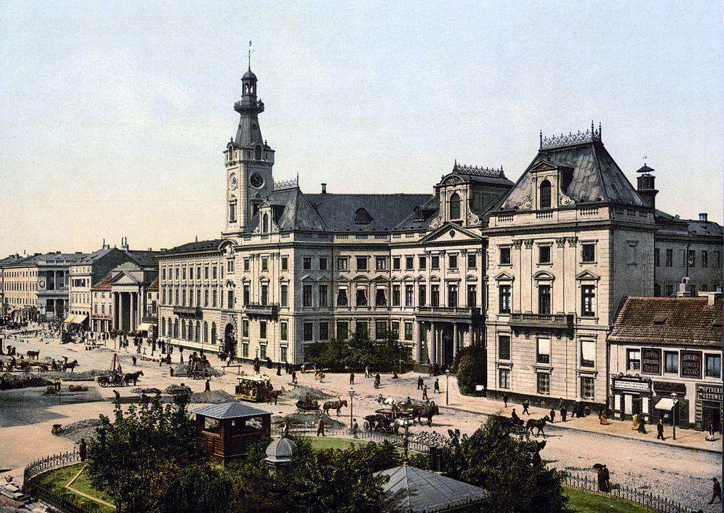 Place du Théâtre de Varsovie vers 1900.