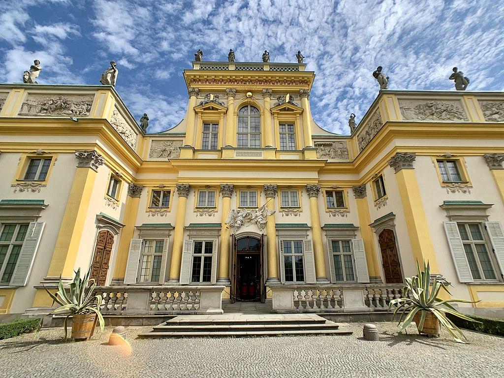 Façade du palais de Wilanow à Varsovie - Photo de kgbo
