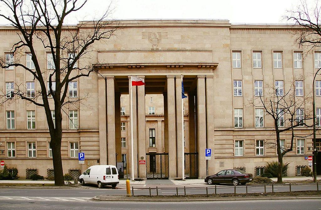 Architecture moderniste à Varsovie : Gmach Ministerstwa Wyznań Religijnych i Oświecenia Publicznego - photo de Najuan