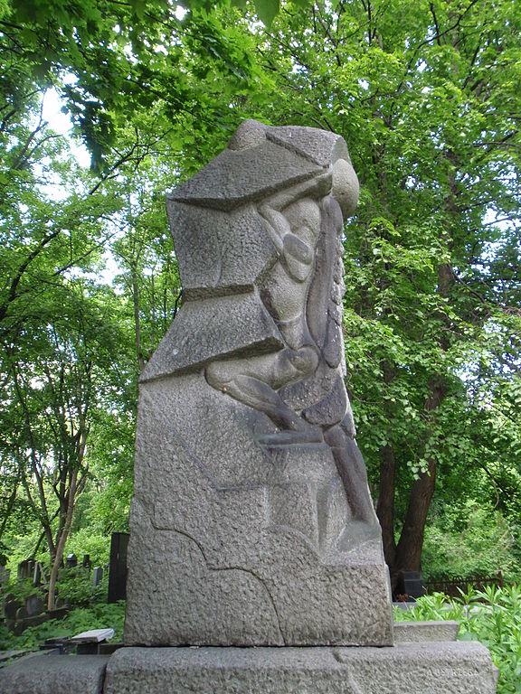 Sculpture d'Abraham Ostrzeg pour Jan Sierota dans le cimetière juif de Varsovie - Photo de Mzungu