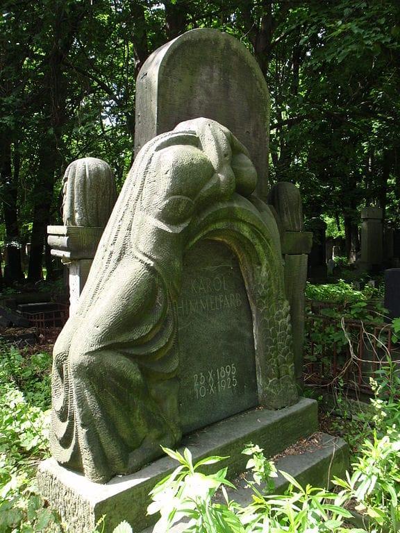 Sculpture d'Abraham Ostrzeg pour Karol Himmelfarb dans le cimetière juif de Varsovie - Photo de Mzungu
